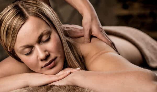 woman-massage-spa-treatment-copperhill-mountain-lodge
