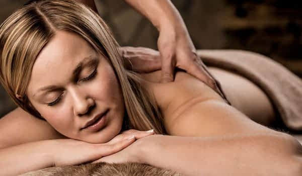 woman-massage-spa-treatment-copperhill-mountain-lodge