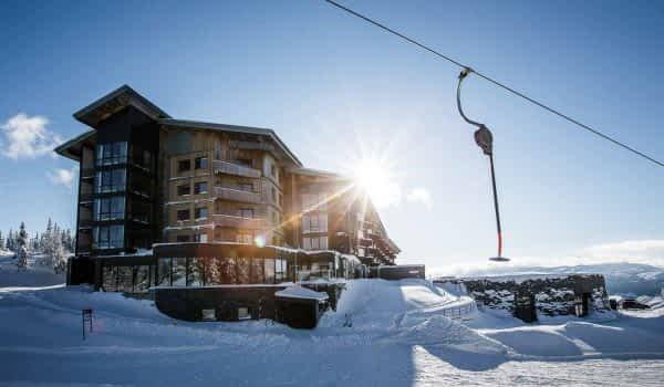 winter-hotel-sun-lift-copperhill-mountain-lodge