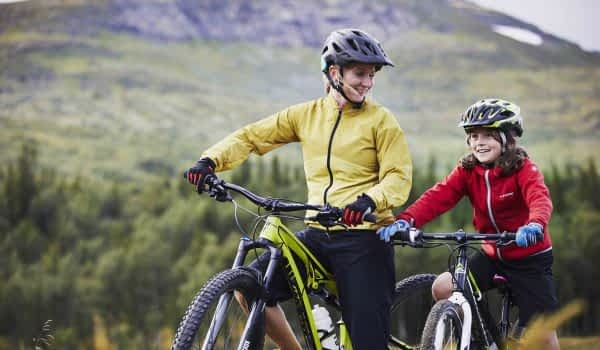 woman-child-biking-mountain-copperhill-mountain-lodge