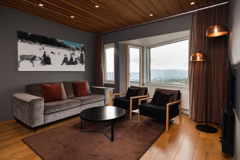Brass livingroom