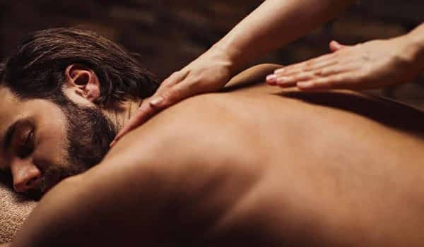man-massage-spa-treatment-copperhill-mountain-lodge