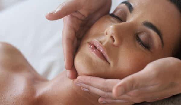 woman-face-treatment-spa-copperhill-mountain-lodge