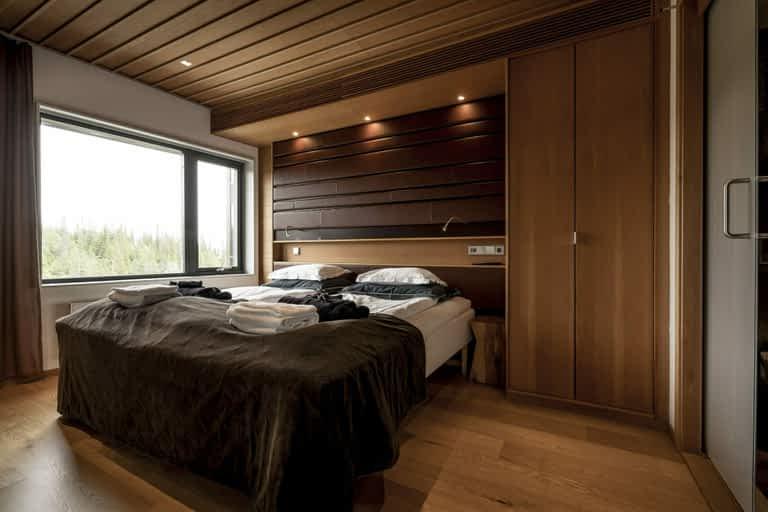 Gold Deluxe - 8 bäddar / 110 m², Vår största svit med 8 bäddar och 3 badrum. Massor av yta att njuta, umgås och ha det bra i. Vår kronjuvelssvit med fantastisk utsikt över hela Åreskutan.