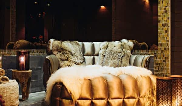 header-sofa-spa-copperhill-mountain-lodge