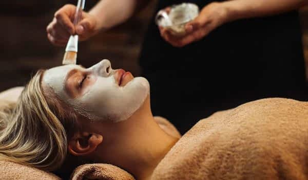 woman-face-mask-treatment-spa-copperhill-mountain-lodge