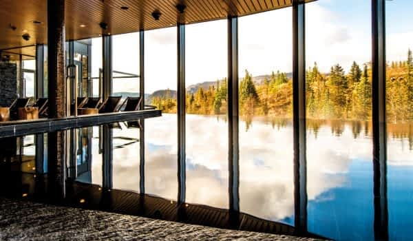 fall-windows-spa-copperhill-mountain-lodge
