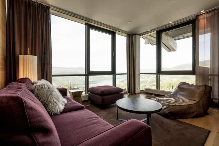 Zinc - 6 bäddar / 65 m², För dig som vill ha lite mer plats. Härliga utrymmen, många bäddar och fantastisk utsikt gör att denna lägenhetssvit är en perfekt bas för både sommaren och vinterns alla äventyr.