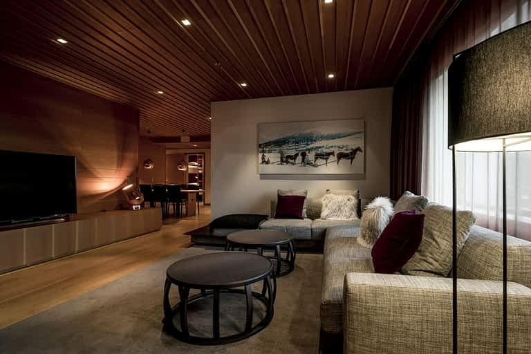 Gold - 4 bäddar / 75 m², Vår största fyrbäddssvit med massor av yta att njuta, umgås och ha det bra i. En svit med fantastisk utsikt över hela Åreskutan.